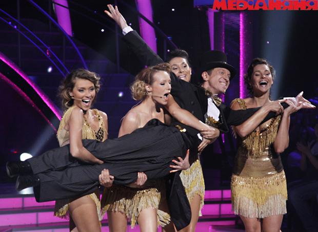 Танцы со звездами смотреть видео под юбкой