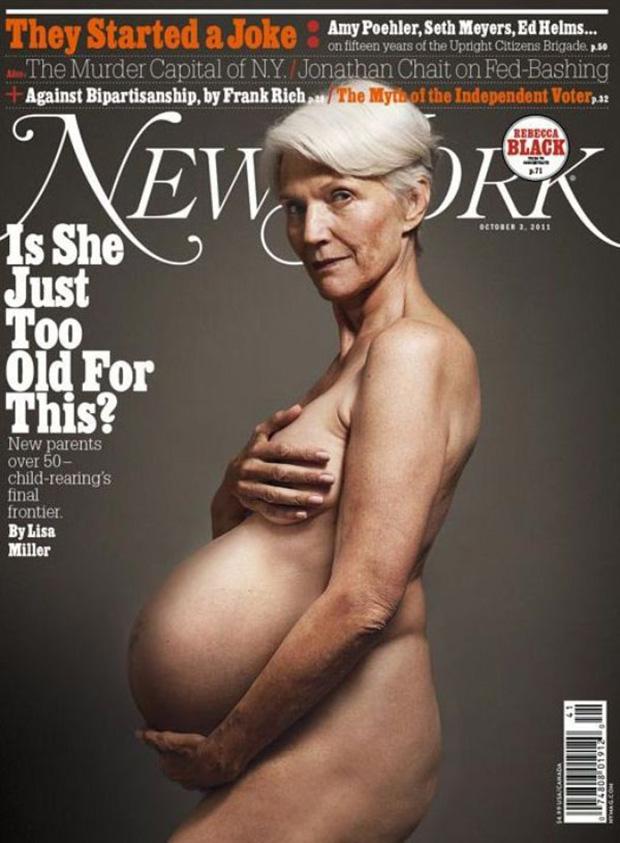Женщины в возрасте голо