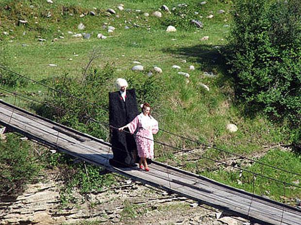 Лучшая девушка Кавказа скачать бесплатно в хорошем качестве.
