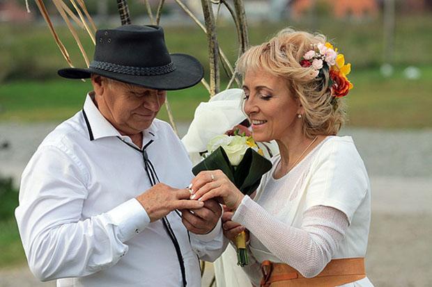 фермер ищет жену 1 сезон на русском