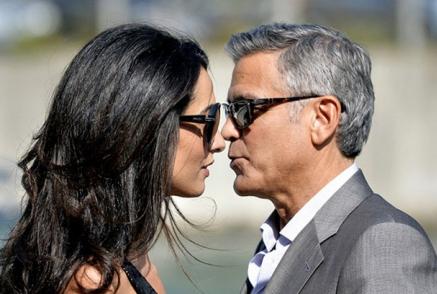 В сеть просочились первые кадры со свадьбы Клуни