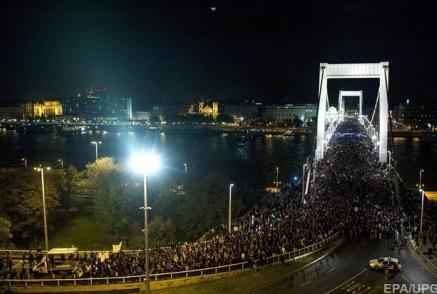 Налог на интернет собрал в Венгрии Майдан