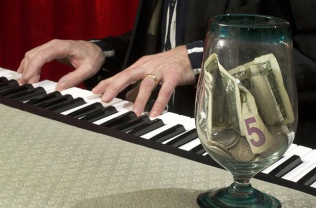 Музыкальная индустрия заработала на рекламе в YouTube почти млрд