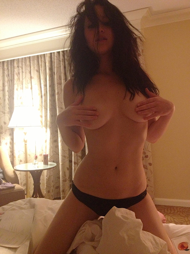 Hacked girl nude — pic 14